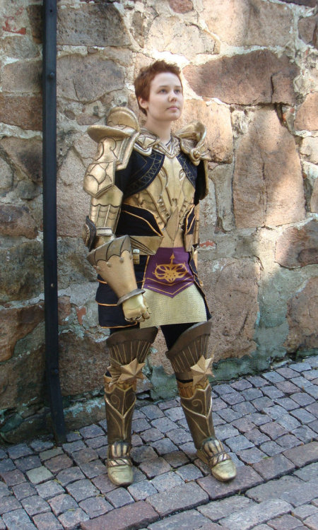 fuckyeahbiowarecosplay:  Alistair from Dragon Age: Origins  Cosplayer: Unknown Photographer: Ciru   Yesssssssssssss