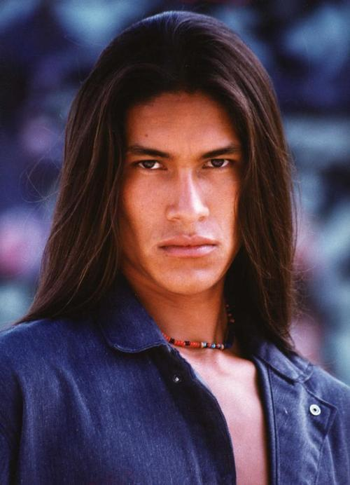 letsreachhappiness:  I'm not usually attracted to native americans but this man is kajndaqdnhiowjdiwjn :Q__