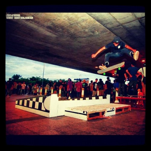 Bell me thank you skateitfriend photo by Nuttwut Buryamjarean - @nontanan_klapson- #webstagram
