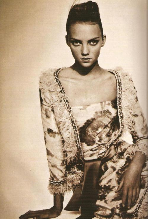 so splendid and magicvogue italia 3.05ph: paolo roversi model: heather marks