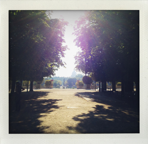 Wow!Jardin de Luxembourg  at 9 am.kisses Inez