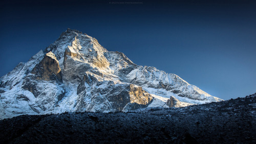 Mount Khumbu Yül-Lha (Khumbila) by Zolashine on Flickr.