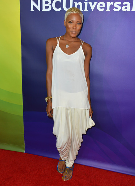 thefashionbomb:  Steal: Eva Marcille's NBC TCA Press Tour Blue DV by Dolce Vita Archer Flat Sandals