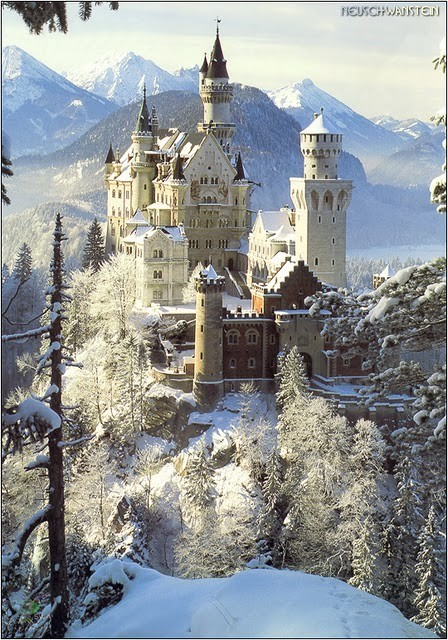 game-of-style:  The Eyrie, seat of House Arryn - Neuschwanstein, Germany