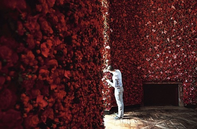 Garden Couture: Parisian Mansion Covered In One Million Flowers by Raf Simons Read more here