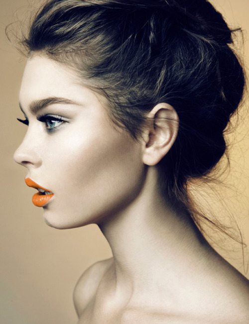 maybelline:  Love those orange lips!