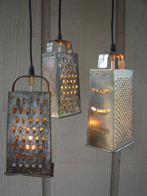 "murrayscheese:  foodcurated:  ""grate"" lights!  beautiful!"