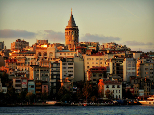 Tanning up the Town (by yon_willis)  Istanbul, Turkey