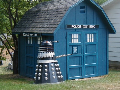 This awesome TARDIS shed and Dalek a was completed a decade ago, but the man behind the project, Tardisbuilders user Einstein19, finally decided to share his creation with the web. Needless to say, it's a hit. We'll just assume the delay was due to an extended stint exploring time and space. (via Walyou)
