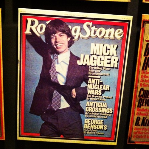 MICK JAGGER (26 juillet 1943 - …) rollingstone:  Happy birthday #MickJagger! The #RollingStones' frontman is 69 today and here he is on the June 29, 1978 cover of #RollingStone. Head to RollingStone.com to read our 1995 cover story where he looks back on his career and see a gallery of Mick through the years. (Taken with Instagram)