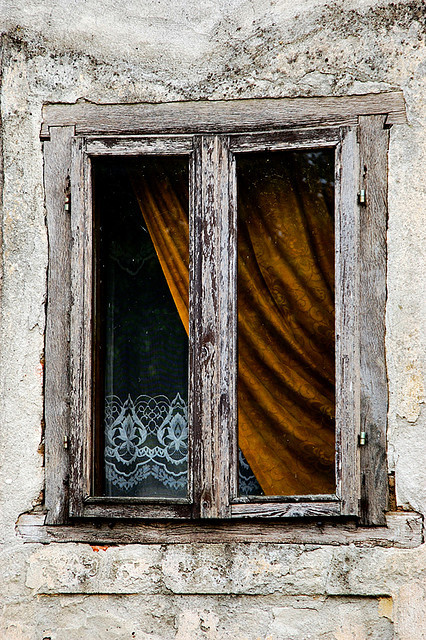 Old Windows by Vinko Jovanovac on Flickr.