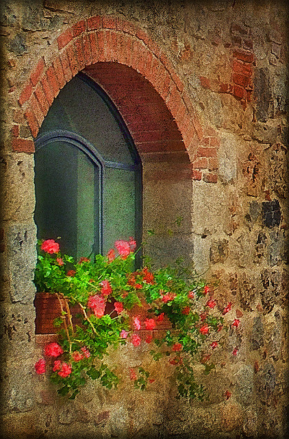 Italian Windows #16, Monteriggioni by h_roach on Flickr.