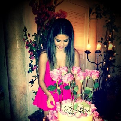Selena posted this photo to her Facebook page and thanked fans for all the birthday wishes.  How amazing is that cake?!