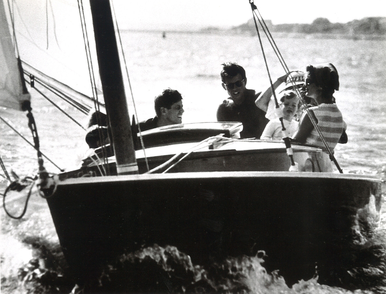 tommyhilfiger:  Senator Kennedy sailing with his family in Hyannis Port, MA. Corbis Sygma Collection