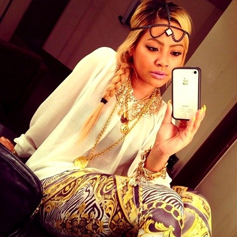 ultimatebeauties:  http://correctionals.tumblr.com/  Honey Cocaine