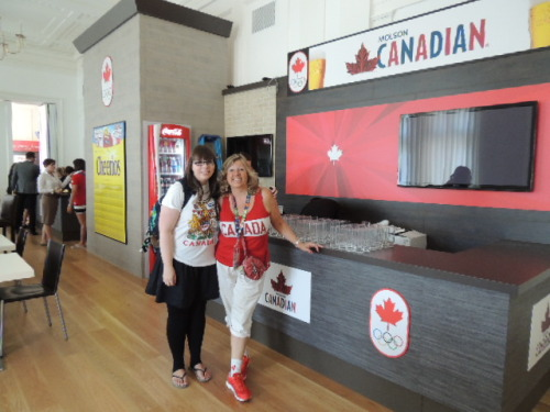 Visiting the Canada House. This morning we grabbed our passports and headed out to find the Canada House in Trafalgar square. We had no idea how hard it was to get in, we were just asking about volunteering possibilities when we ran into Canadian High Commissioner to the United Kingdom Gordon Campbell. We had met before in the Vancouver 2012 games. Even though they didn't need volunteers we got a cool tiny walk around. There are some houses open to anyone, check out the Swiss House by the river Thames and plenty more Houses.