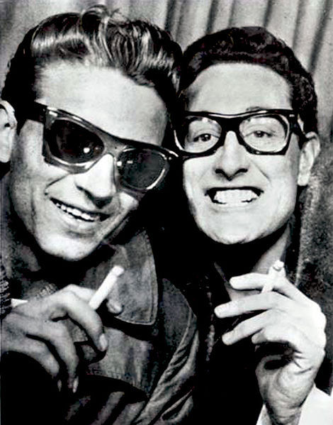 awesomepeoplehangingouttogether:  Waylon Jennings and Buddy Holly  Whoa.