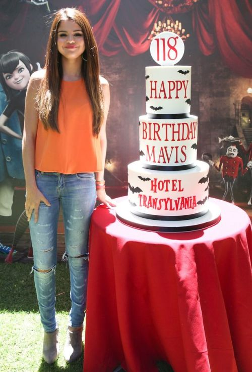 "This fall, Selena is starring in her first animated movie, Hotel Transylvania, as a vampire who falls for a human. Think the flick sounds a lot like the Twilight Saga? You're not alone.  But Sel says the two films are totally different. At a Hotel Transylvania preview, Selena told E! Online, ""They're so different.  I didn't even think about [it being like Twilight] until people mentioned it today. I really didn't. This is way different."""