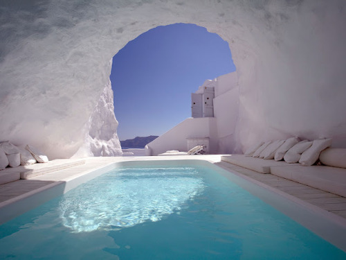 classic all-white swimming pool in Greece (via Swimming Pool Design)