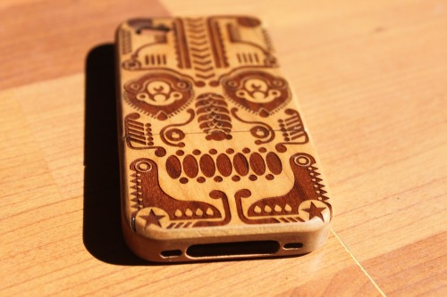 Dia de los muertos and many more wooden bamboo cases for iPhone 4 now in store