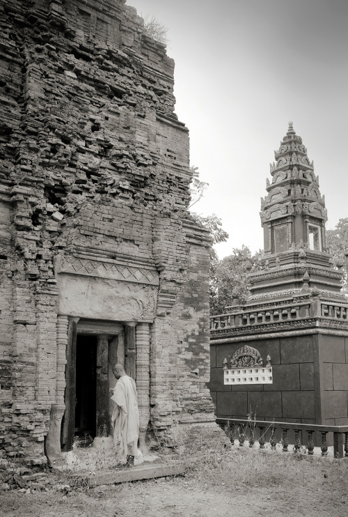 Cambodia's Undiscovered Ancient Temples | Temple of the Black Lady