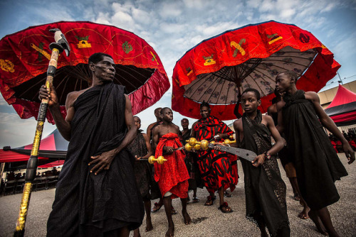 hamsahands:  Ashanti funeral in kumasi by anthony pappone photographer on Flickr.
