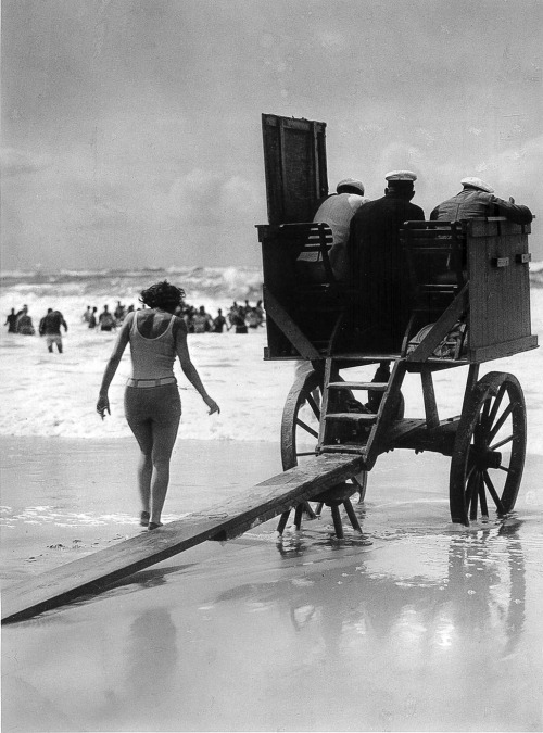Martin Munkácsi Movable lifeguard's tower, Germany. 1929