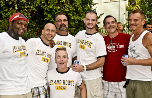 #IslandHouse #bros, this time in their #shirts, hopefully soon in their #skins…     #topher ;)  BestOfBromance.tumblr.com - @BestOfBromance - BestOfBromance@gmail.com