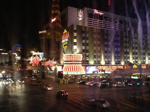 Las Vegas! We arrived yesterday afternoon and it was a very stressful driving situation for me with the huge trick and all that traffic! We checked in, got REAL showers and went out to eat. We explored the 1 mile mall window shopping and went down the strip a little to see the Bellagio and its cool water fountain lights show! it was really neat!  We went back and played some slots and I actually won $60 from a penny slot in 5 goes. (Then aaron went and lost it at 3 card poker..) But together we came out 8$ up!!  Great first night!