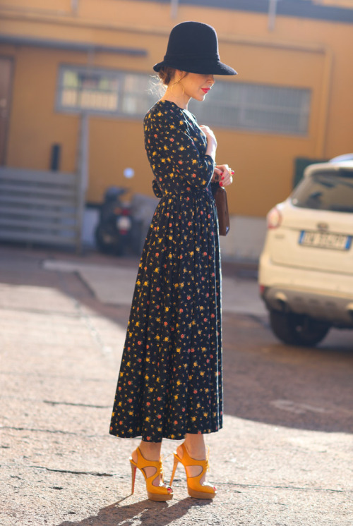 fashion-streetstyle:  Ulyana in Milan