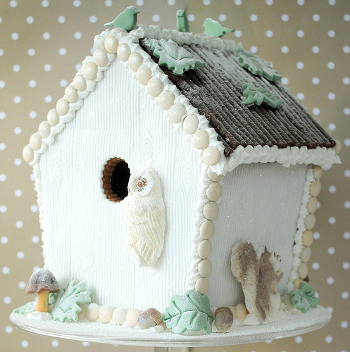 bakeitpretty:  Winter Woodland Gingerbread House