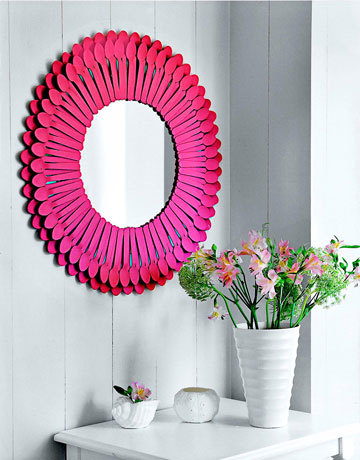 Starburst Mirror from hot pink plastic spoons From Shelterness
