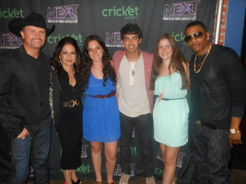 Me and the cast of The Next (Joe Jonas, Nelly, Gloria Estefan, and John Rich)! :)