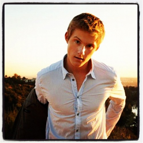 JUSTIN BIEBER HAS SOME SHIRTLESS COMPETITION  CATO! (a.k.a ALEXANDER LUDWIG)  #extra #nude #pictures #sexy #pics #body #Cato #competition #Hot #Beliebers #shirtless #Bieber #photos #Justin #love (Taken with Instagram at Edmonton AB, Canada)