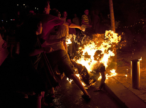 Protester sets himself on fire during a demonstration in Tel Aviv calling for social justice, July 2012. 3500x2290
