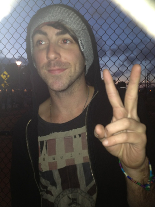 dickishbehaviour:  Someone asked to borrow my phone to take a picture of Alex at warped and idk if she's posted it yet I'm sorry I just love it so much ahhhh