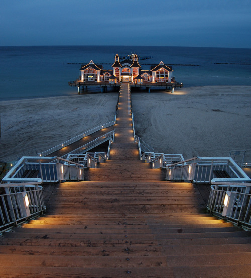 lovelyydarkanddeep:  Pier of Sellin, Rügen, Germany (by N°rdlicht)