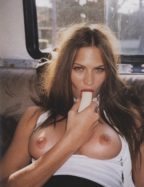 pussylequeer:  Frankie Rayder photographed by Terry Richardson in 2001