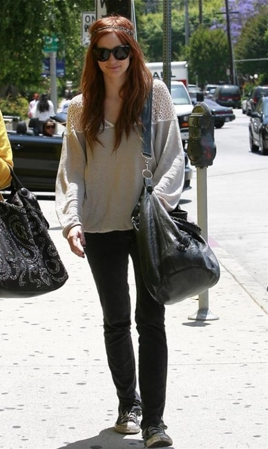 Ashlee Simpson spotted wearing a pair of Converse
