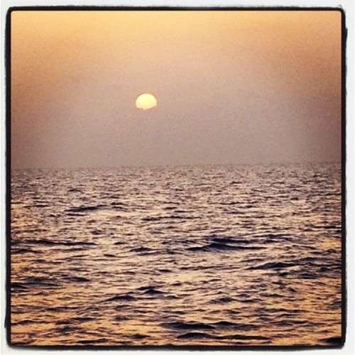 #Ocean #Sunrise - #upgradeyourlife @AHAlife #bestoftheday #instahub #instasky #iskyhub @Sky__Lover #instagramhub #sky #picoftheday #photooftheday #photochallenge  (Taken with Instagram)