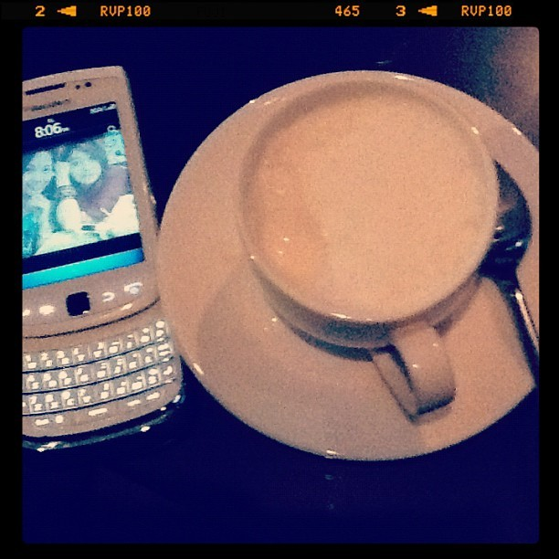 White Choco cappuccino #me #instadaily #instaoftheday #instagram #coffe #instanesia  (Taken with Instagram)