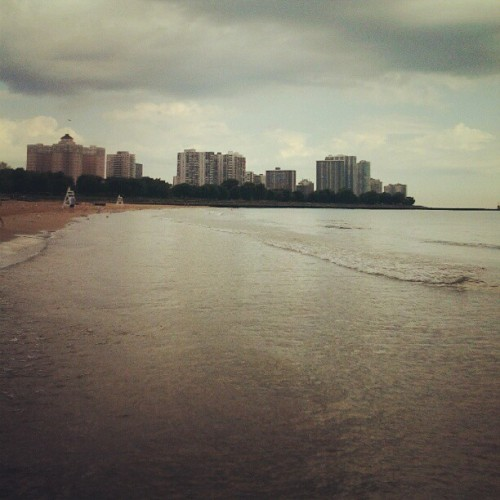 The only place I want to be at nine am #chicago #beach (Taken with Instagram at Foster Beach)