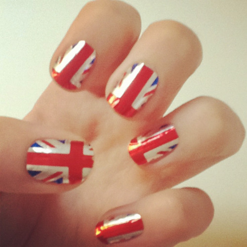 Bored? Dress up your tips with Union Jacks!