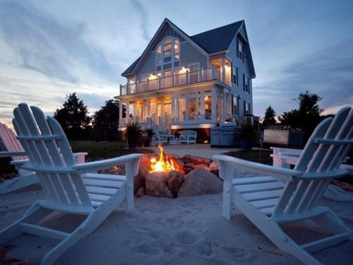 charmedliving:  Destination…The Hamptons