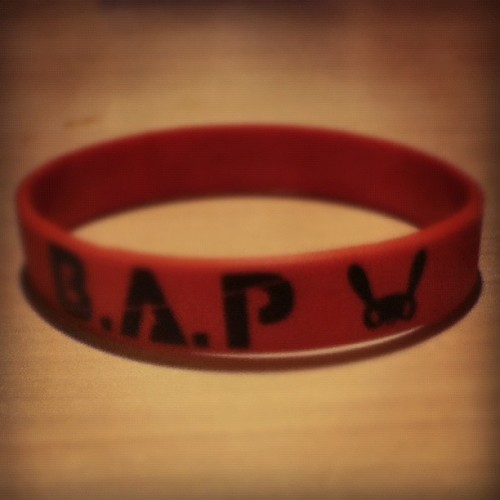 #bap #kpop #bracelet #zelo #yongguk #himchan #youngjae #daehyun #bias #red #matoki @zeloworld @upcb  (Taken with Instagram)