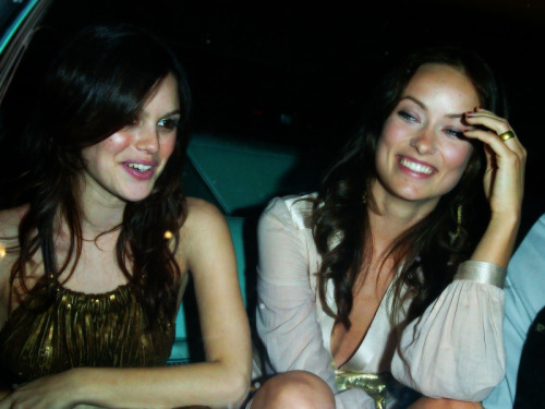 a-wilde-handful:  Rachel Bilson & Liv.