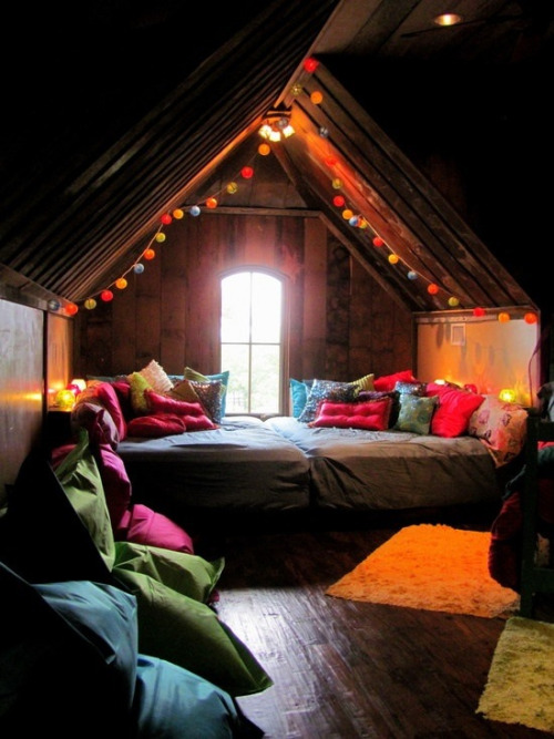 I just want to hide myself underneath a cosy blanket in that bed