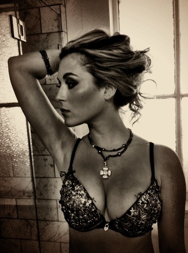 Prima immagine di Alexa Vega in Machete Kills (via Prima immagine di Alexa Vega in Machete Kills | Il blog di ScreenWeek.it)