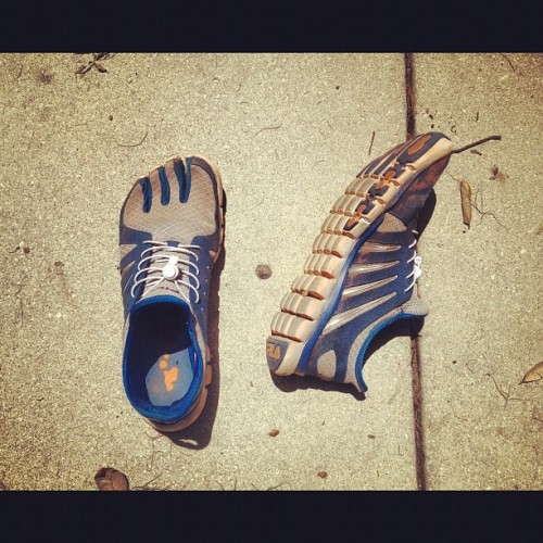 toe shoes 👍 #jog #run #hike #skeletoes (Taken with Instagram)
