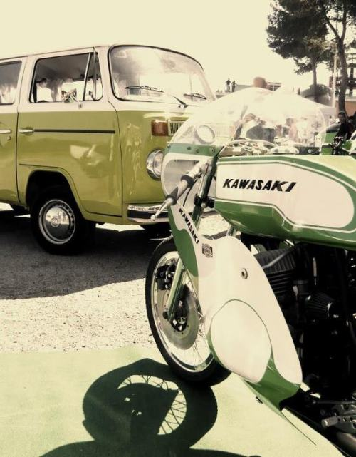 Kawasaki H2r and VW Bus… Couldn't get much more perfect!